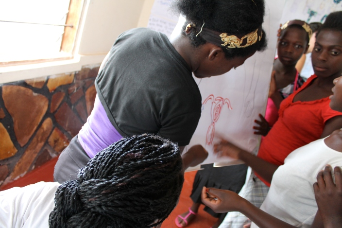 Abigail, one of our GLOW girls of the day, takes the lead sorting out the female reproductive system.